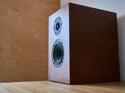 Are Bookshelf Speakers as Good as Tower Speakers_