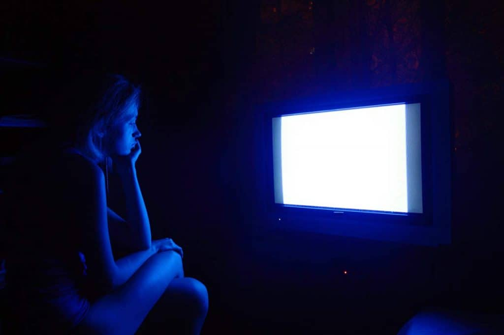 blue light effect on eyes which watching TV or projector