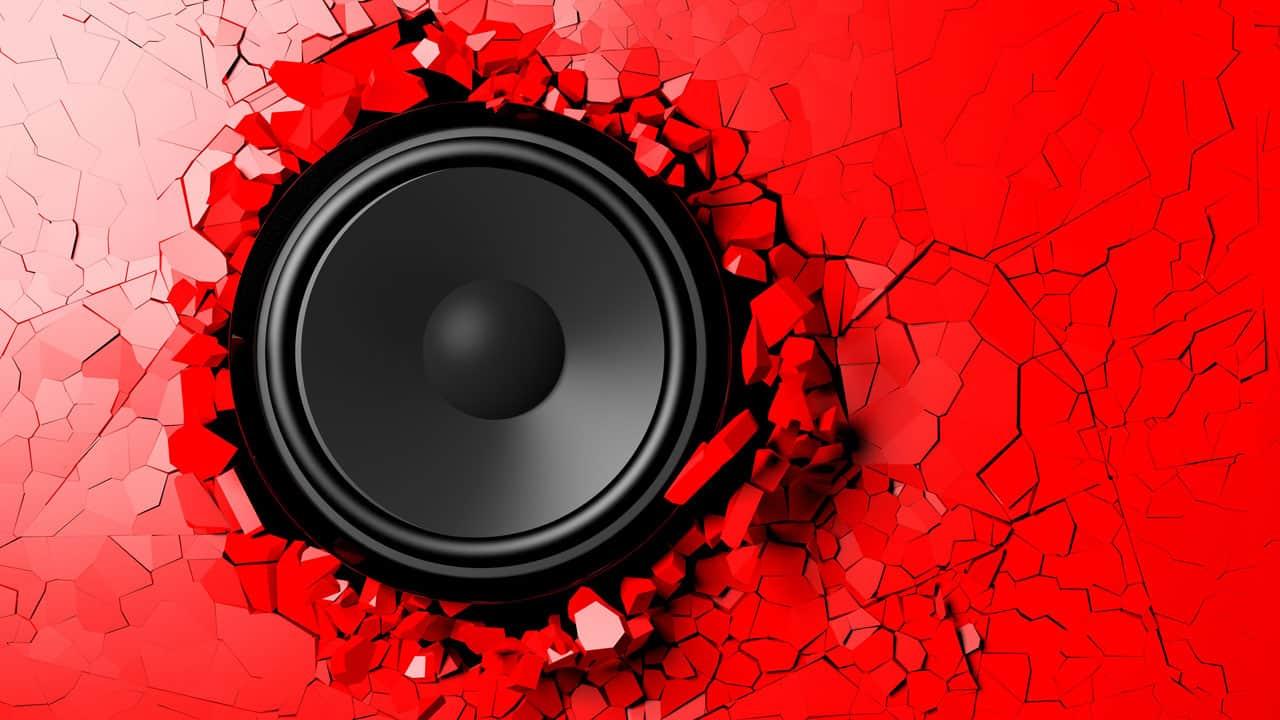 speakers pop at high volume