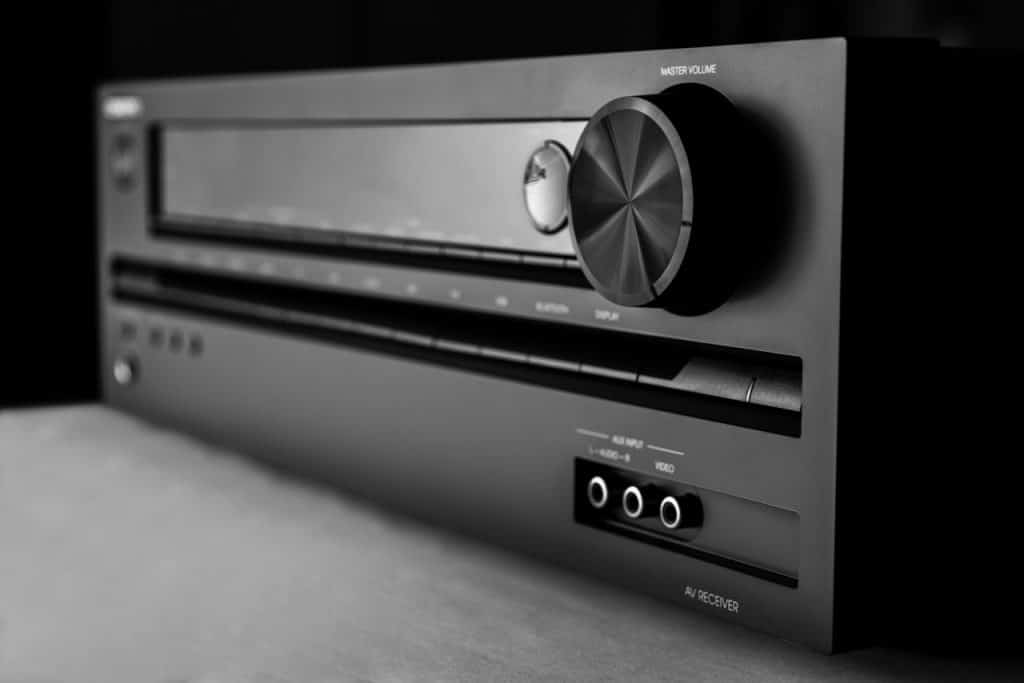 How to Choose an Amplifier for Home Theater (7 Factors) 1
